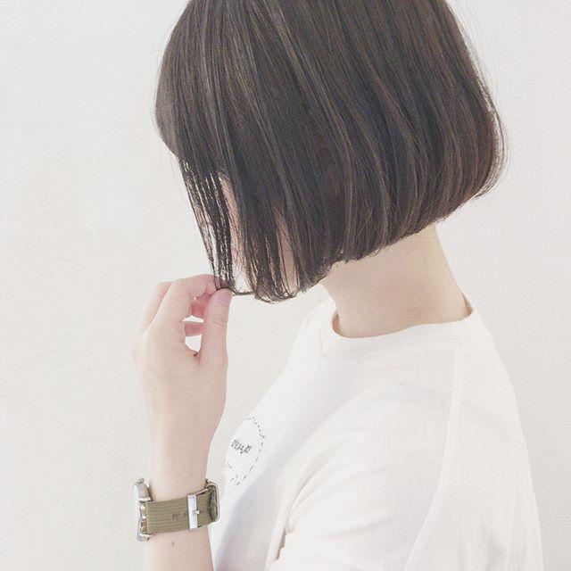 重くならない暗髪カラースタイル4