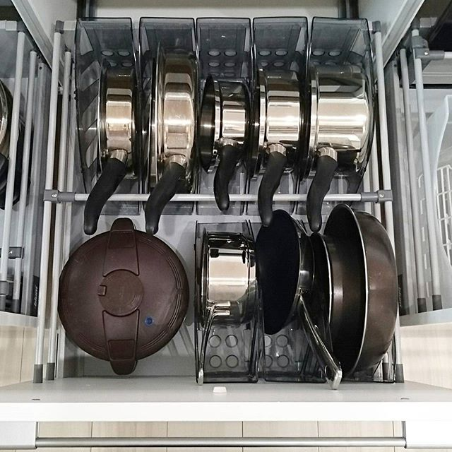 調理器具、食器の収納は引き出しに入れてスッキリと