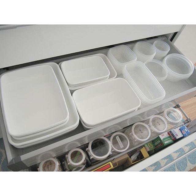 調理器具、食器の収納は引き出しに入れてスッキリと9