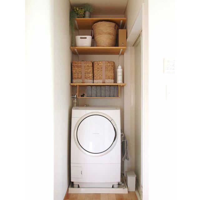 洗濯機サイドをオープンに使った隙間収納