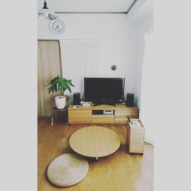 家具は背の低いものを