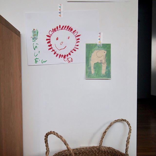 ポスターを手描きしたりお子さんの絵を飾る6