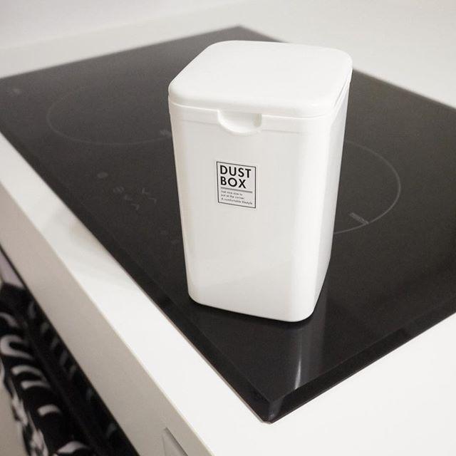 シンプルなセリアのゴミ箱