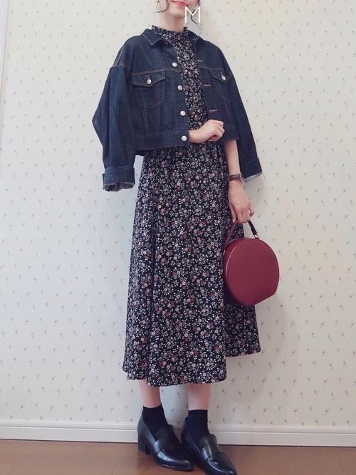 花柄ワンピース×デニムジャケット