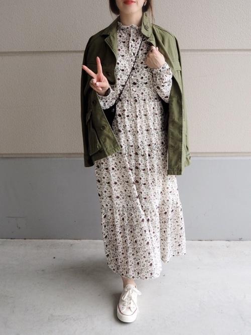 [haco!] <高橋愛さんコラボ>ラブ&ピースプロジェクト 花柄フリルネックマキシワンピース2