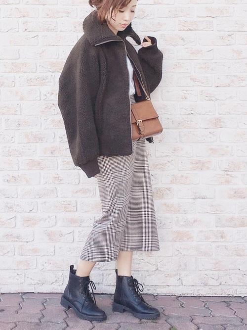 秋冬に欠かせないチェック柄スカート
