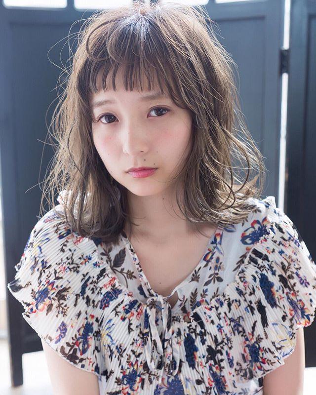 巻き髪フェミニンスタイル14