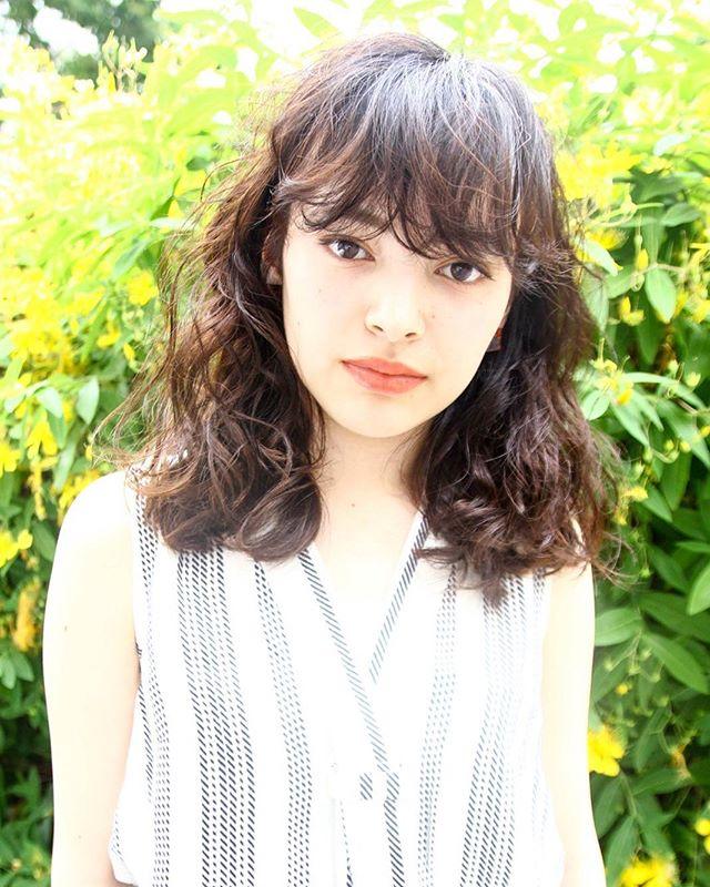 芸能人・モデル風のぱっつん前髪3