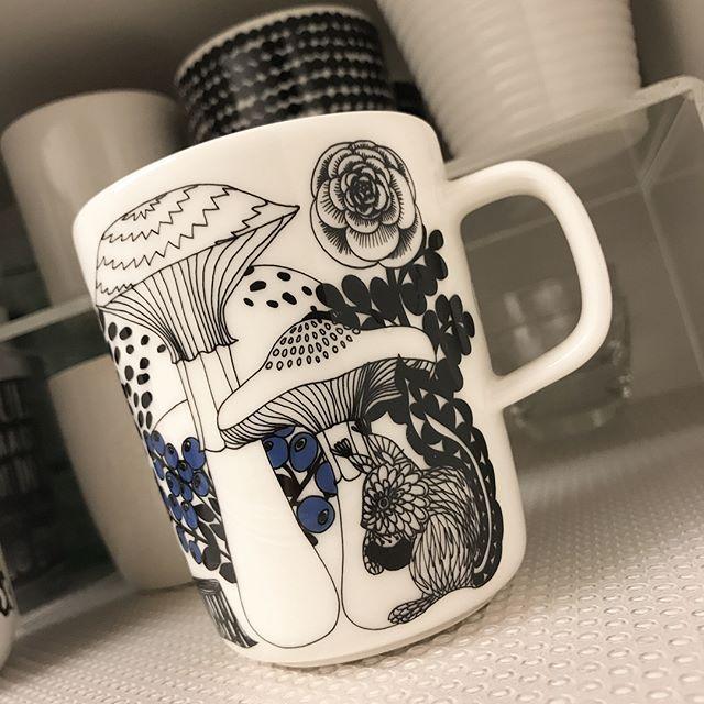 「マリメッコ」のマグカップ