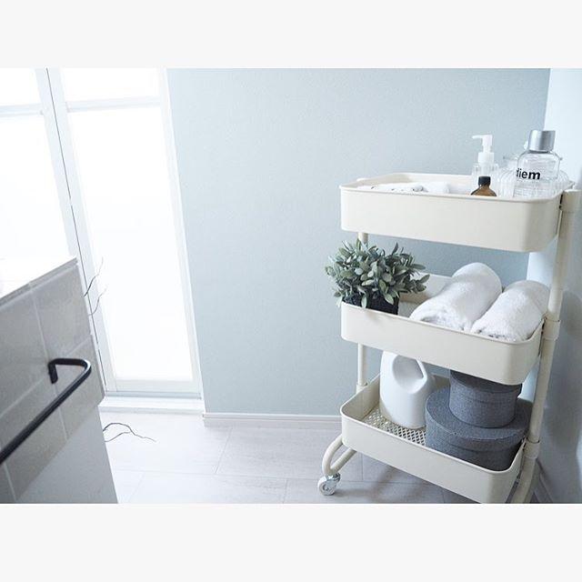 洗面所の移動ラクラク、キャスター付きワゴン収納
