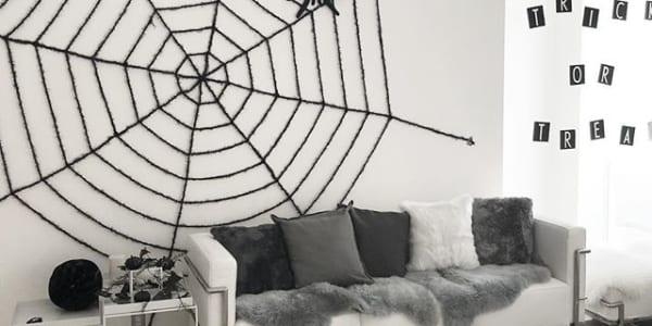 クモの巣モチーフでスパイスを!おしゃれなハロウィンアイテム特集