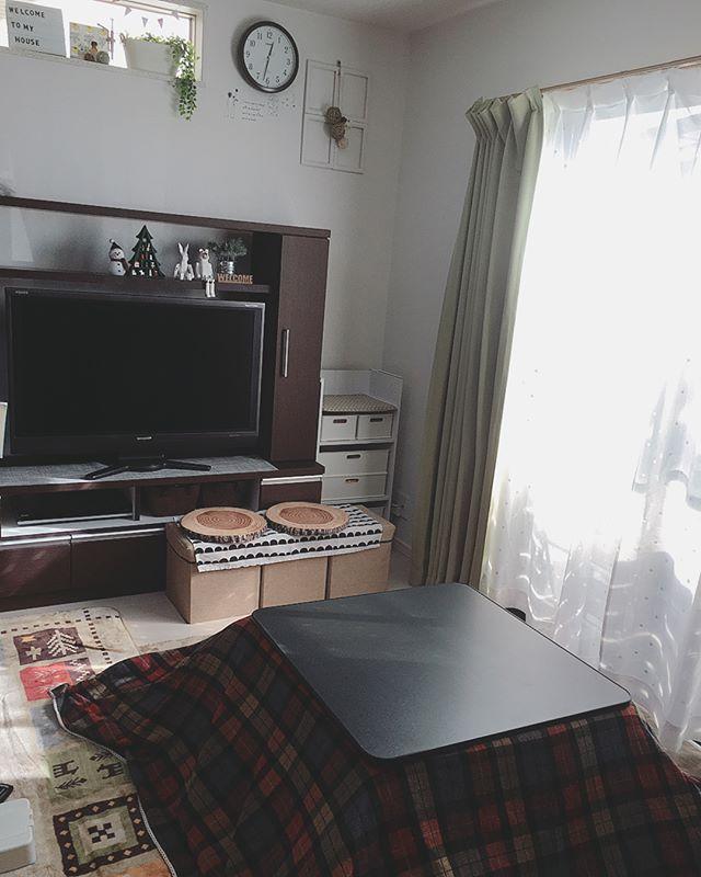 黒の天板×チェックのこたつ布団