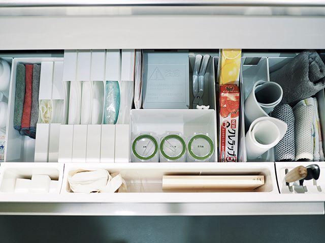 調理器具、食器の収納は引き出しに入れてスッキリと8