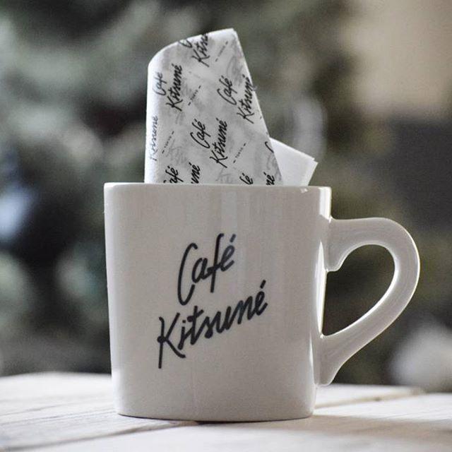 オリジナルマグでコーヒーを