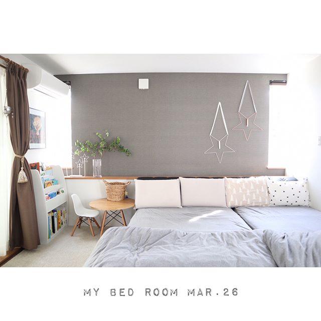 モノトーンを基調とした海外風ベッドルーム3
