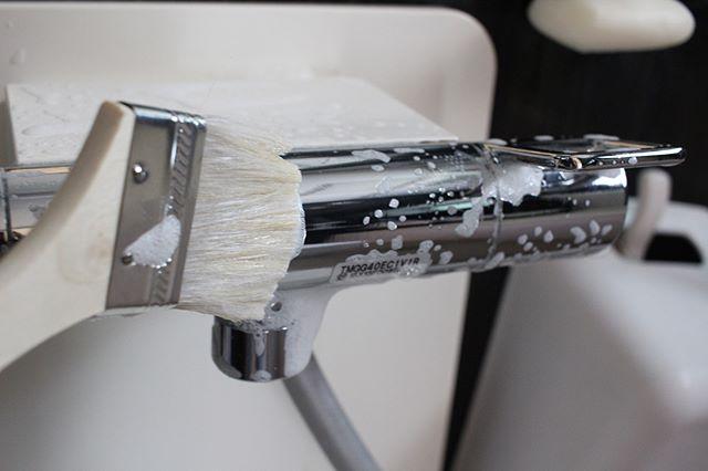 刷毛は細かい部分の掃除に大活躍2