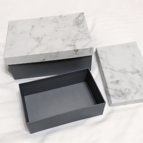 大理石柄のペーパーボックス