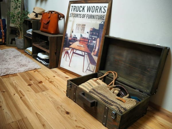 木製トランクでディスプレイv