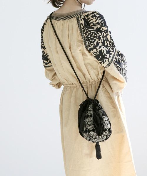 SARA MALLIKA刺繍巾着バッグ