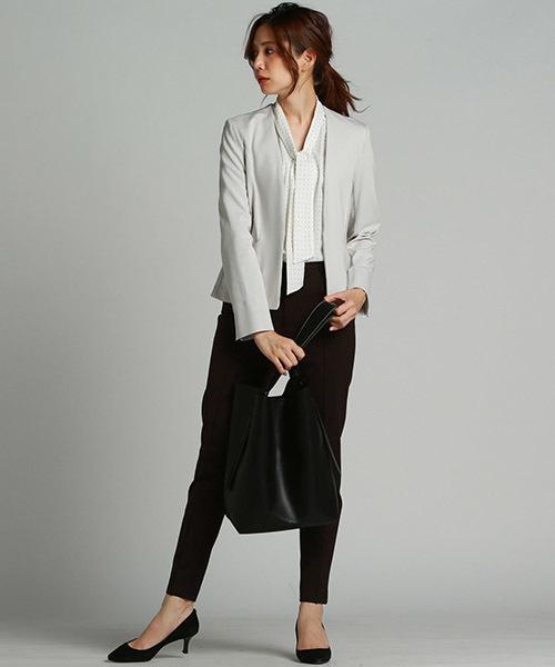 オフィスでもコートのインにも着て頂けるコンパクトシルエットジャケット