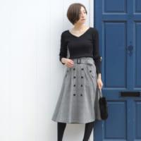 着るだけでトレンド感がアップ♪秋冬にぴったりなトレンチ風スカートコーデ