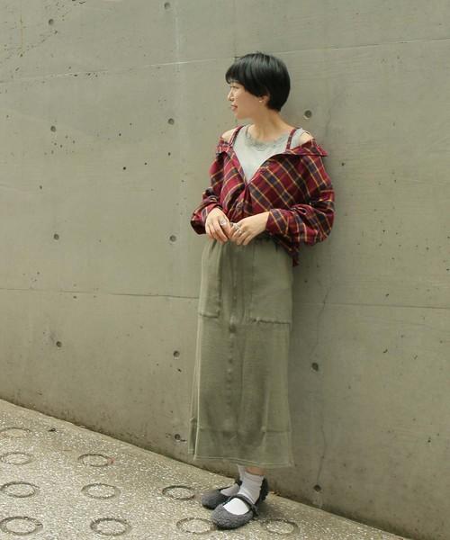 赤チェックシャツ×スカート5