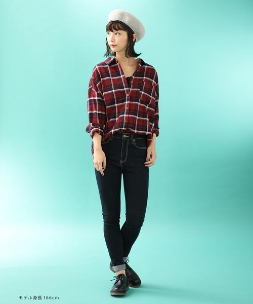 ゆったりとしたシルエットが今年っぽい 秋冬トレンドのチェック ゆるチェックシャツ2