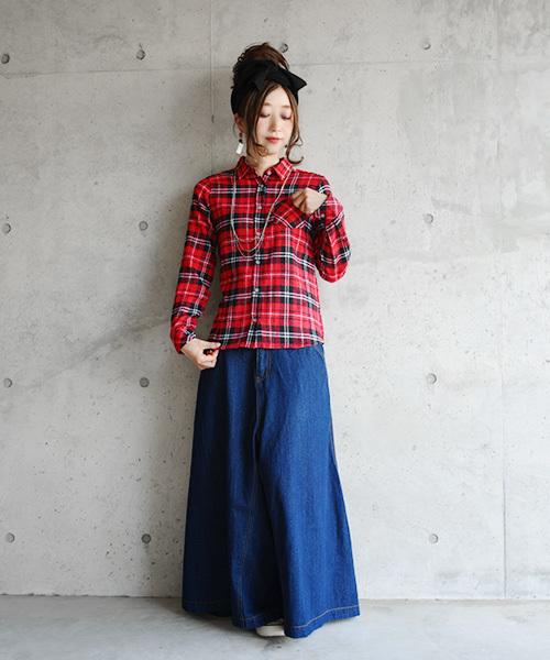 赤チェックシャツ×スカート6