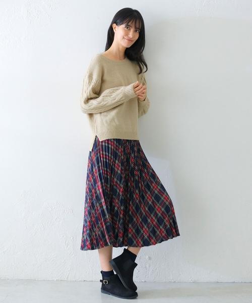 ケーブル編み袖ニット