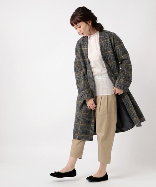 マニッシュな雰囲気のチェック柄ロングコート