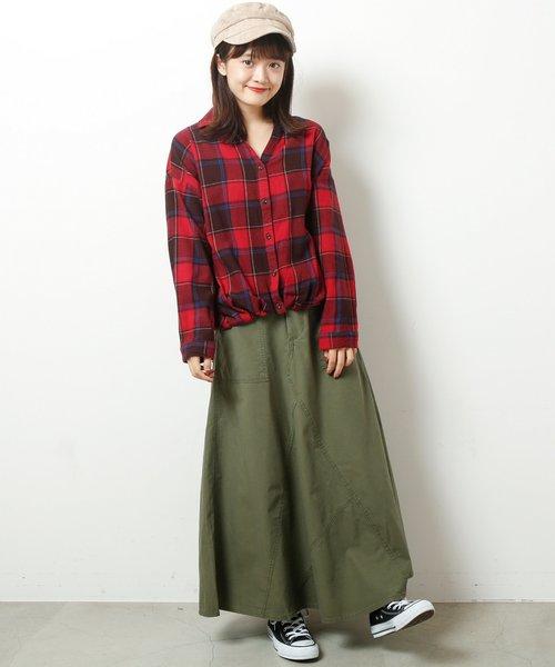 赤チェックシャツ×スカート