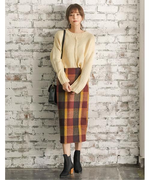 大柄チェックタイトスカート