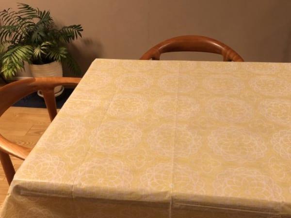 敷くだけでイメージが変わるテーブルクロス2