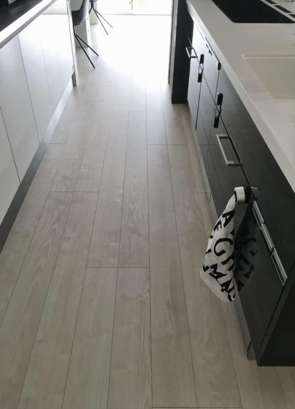 オススメのキッチン足元の浅型引き出し収納実例