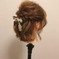 【連載動画】くるりんぱで作るショートヘアの『華やかハーフアップ』