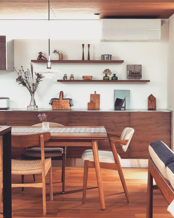 木目を生かした北欧家具と雑貨を取り入れた戸建てインテリア