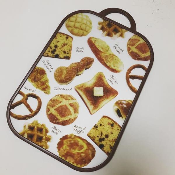 MDFデザインまな板 パン柄(ダイソー)