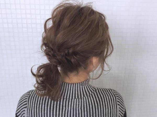 髪が多い人の簡単まとめ髪4