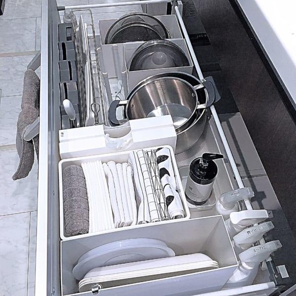調理器具、食器の収納は引き出しに入れてスッキリと11