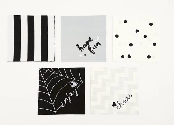 紙コップと同じデザインのペーパーナプキン