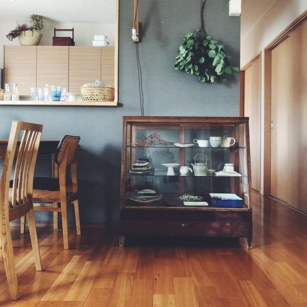古道具と植物のある素敵な平屋暮らしのインテリア7
