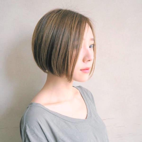 前下がりボブ髪型例23