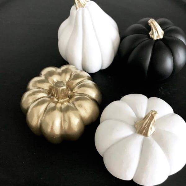 かぼちゃをペイントしてカラーチェンジ