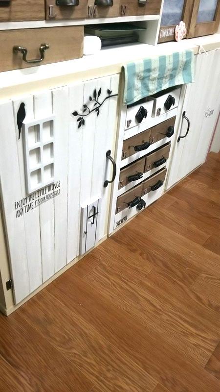 カウンター下を便利な収納棚に21