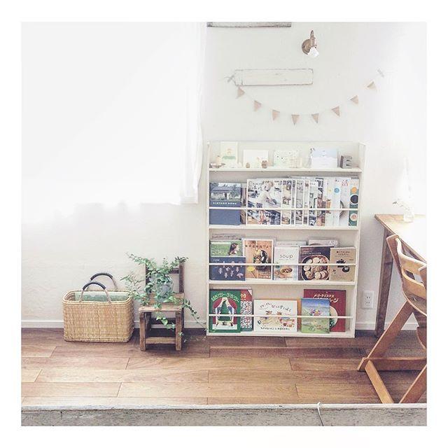 ブックカフェ風の部屋におすすめの本棚4