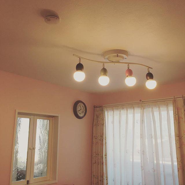 子供部屋の照明は、かわいらしさ重視で♪