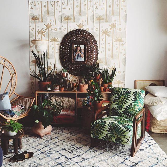 植物をお部屋の中に置いてリラックスな空間に4