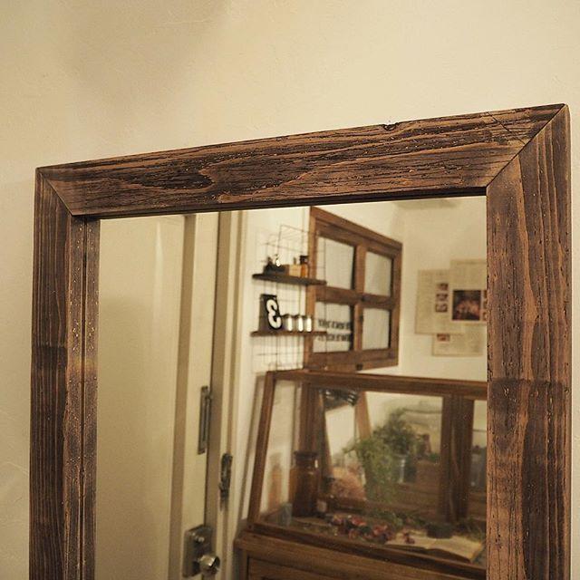 古びた木材をイメージ