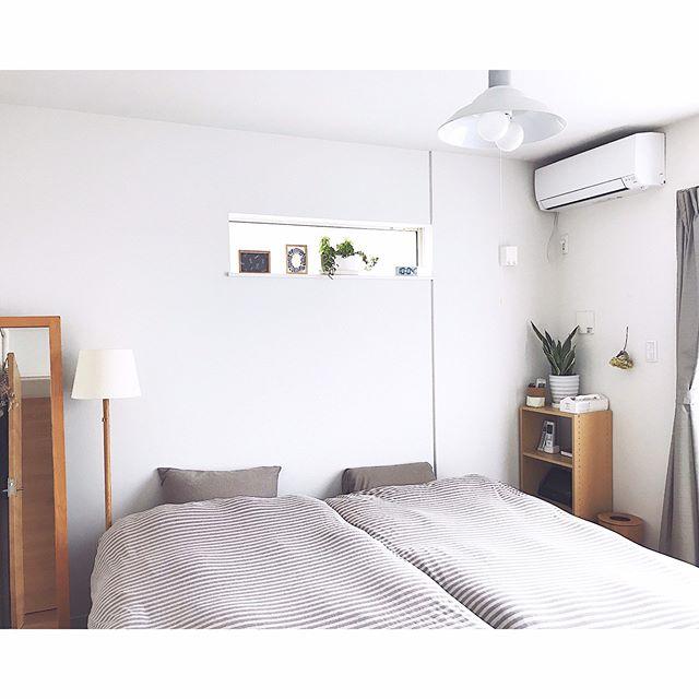見ているだけで落ち着く、シンプルに整えられたベッドルーム3