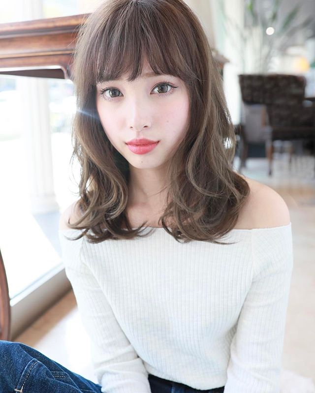 揺れ髪スタイル